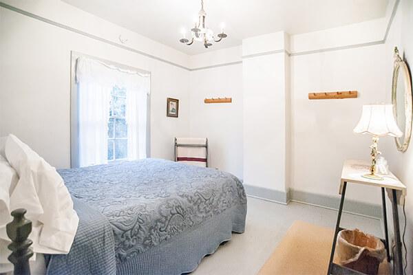 Unit 1 West Bedroom