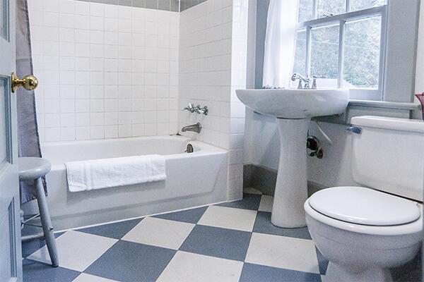 Unit 8 bathroom